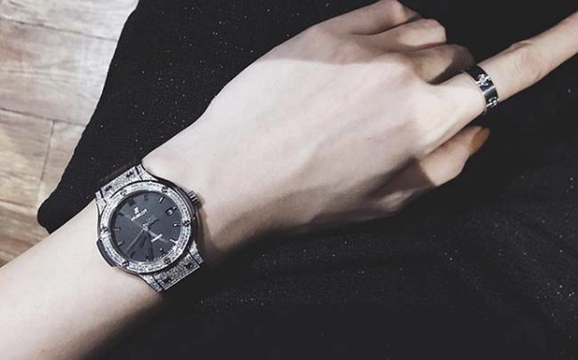 Hướng dẫn 3 cách đeo đồng hồ Hublot chuẩn nhất có thể bạn chưa biết
