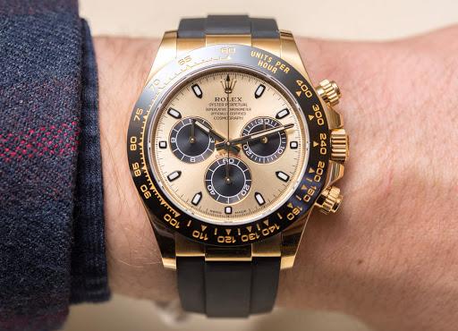 Thể hiển đẳng cấp sang trọng với những chiếc đồng hồ rolex dây da