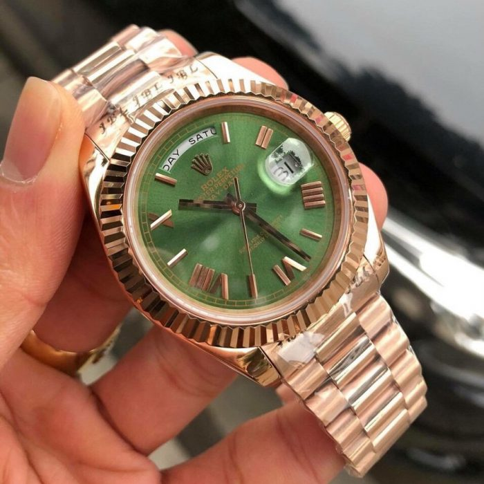 Khám phá ngay chiếc đồng hồ rolex mặt xanh ấn tượng nhất hiện nay