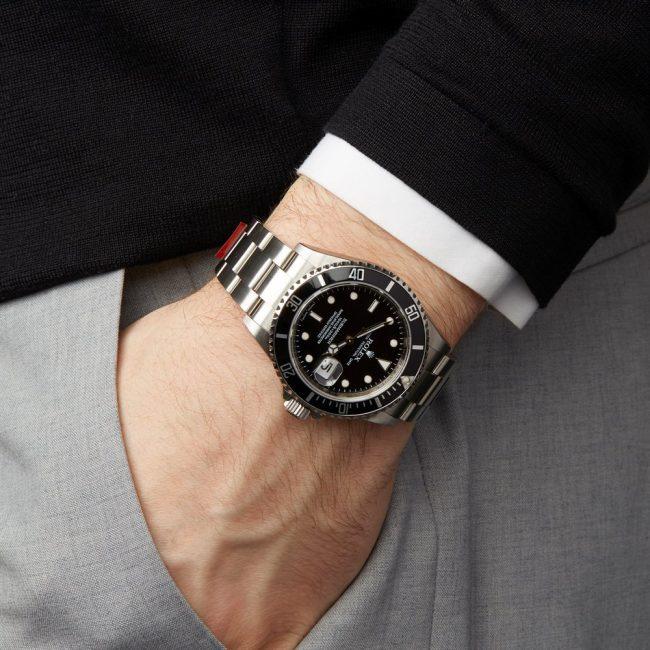Siêu phẩm đồng hồ rolex submariner date có gì xuất sắc?