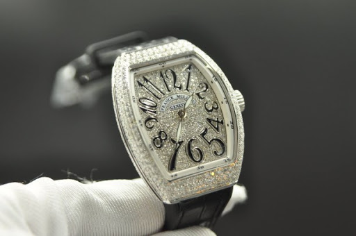 Check nhanh cực chuẩn mẫu đồng hồ franck muller v32