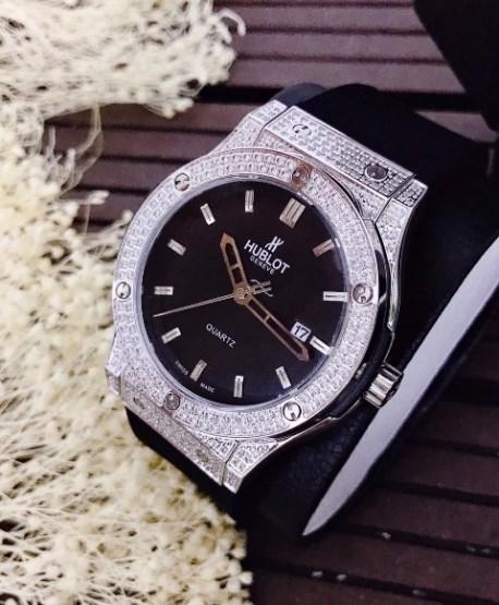 Đồng hồ Quartz là gì? Giới thiệu đồng hồ Hublot Big Bag Quartz Steel