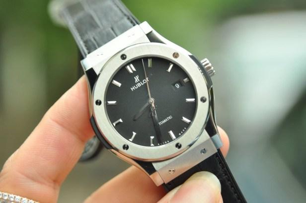 Đôi nét thú vị về đồng hồ Hublot Classic Fusion Titanium