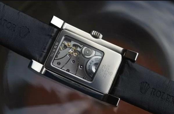 Có phải tất cả đồng hồ Rolex cơ lộ máy trên thị trường đều là FAKE?
