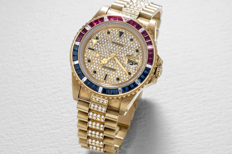 Câu chuyện về đồng hồ Rolex GMT – Master full đá quý